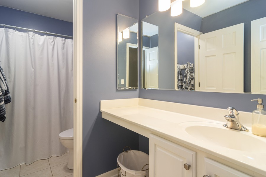 Real Estate Photography - 294 Foxford Drive, Cary, IL, 60013 - Bathroom