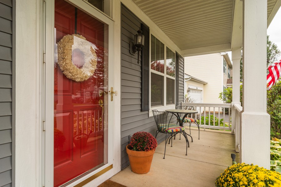Real Estate Photography - 294 Foxford Drive, Cary, IL, 60013 - Entryway