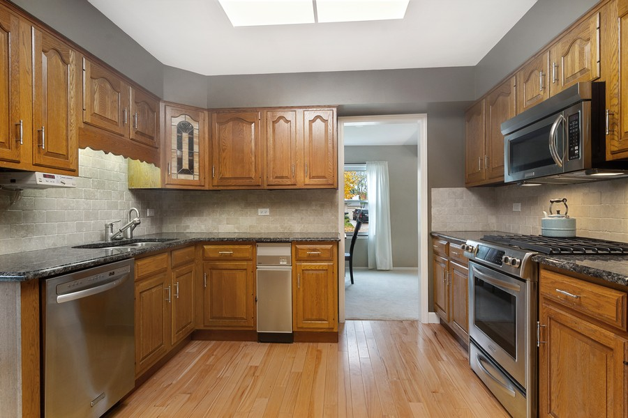 Real Estate Photography - 426 S Gibbons, Arlington Heights, IL, 60004 - Kitchen