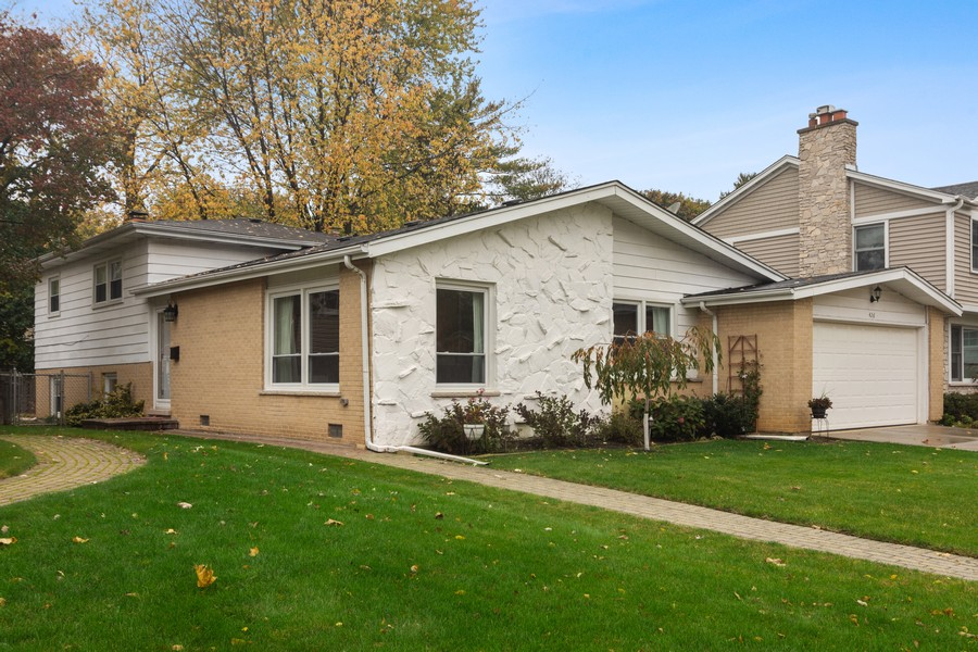 Real Estate Photography - 426 S Gibbons, Arlington Heights, IL, 60004 - Front View