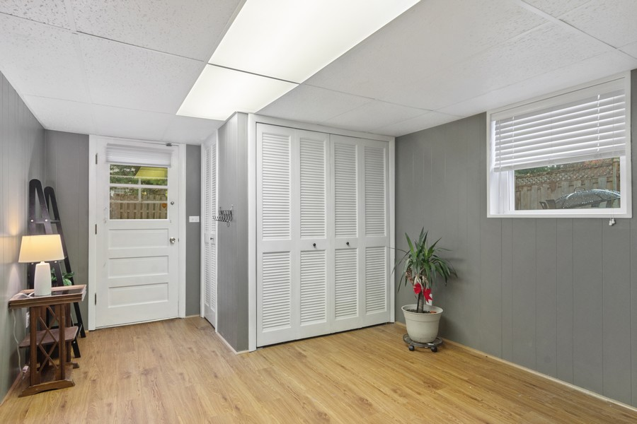 Real Estate Photography - 426 S Gibbons, Arlington Heights, IL, 60004 - Entryway
