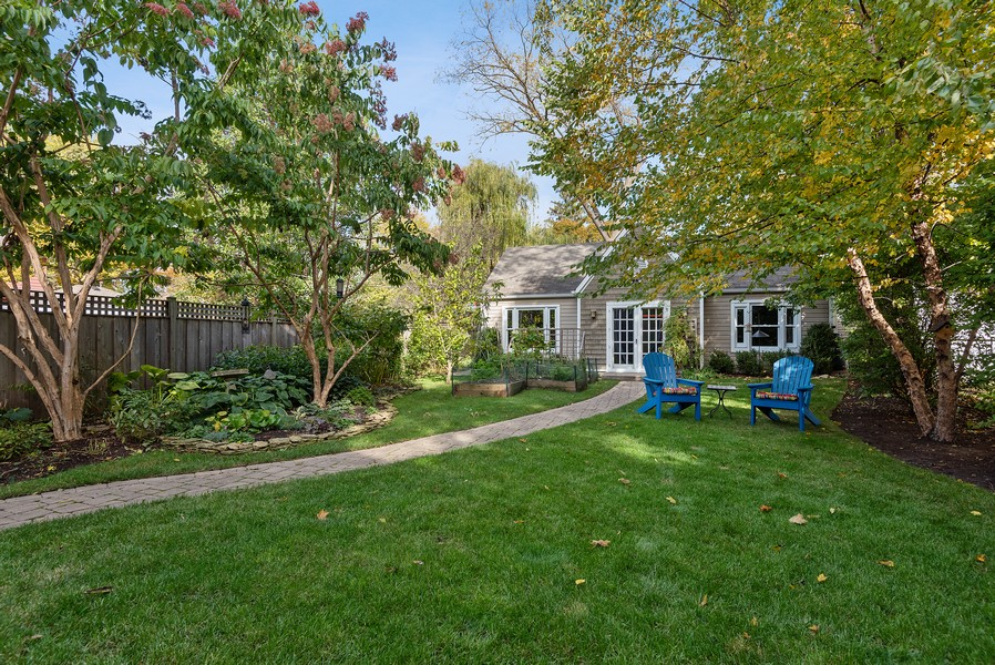 Real Estate Photography - 2433 Simpson, Evanston, IL, 60201 - Back Yard