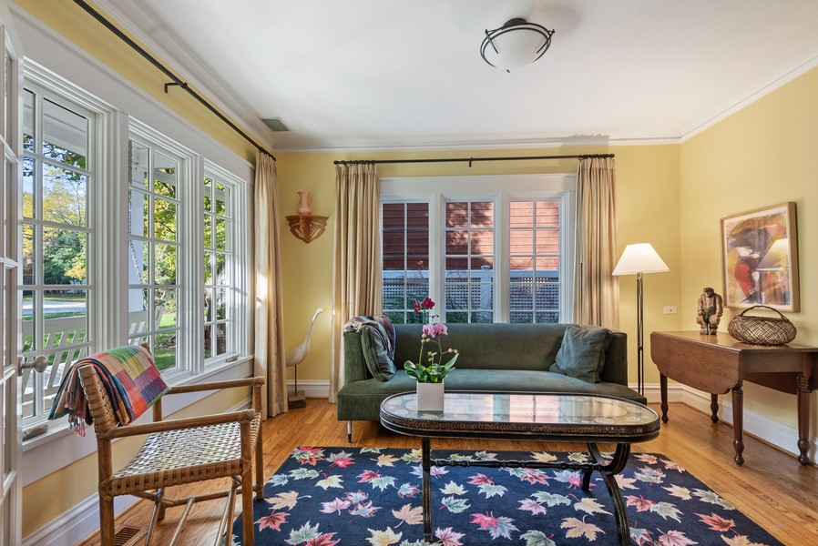 Real Estate Photography - 2433 Simpson, Evanston, IL, 60201 - Library