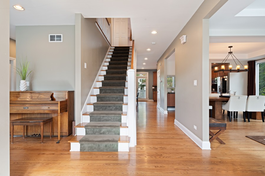 Real Estate Photography - 2328 Illinois, Northbrook, IL, 60062 - Foyer