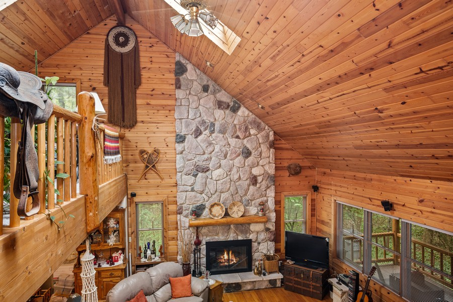 Real Estate Photography - 4054 Choctaw Trail, New Buffalo, MI, 49117 - Living Room
