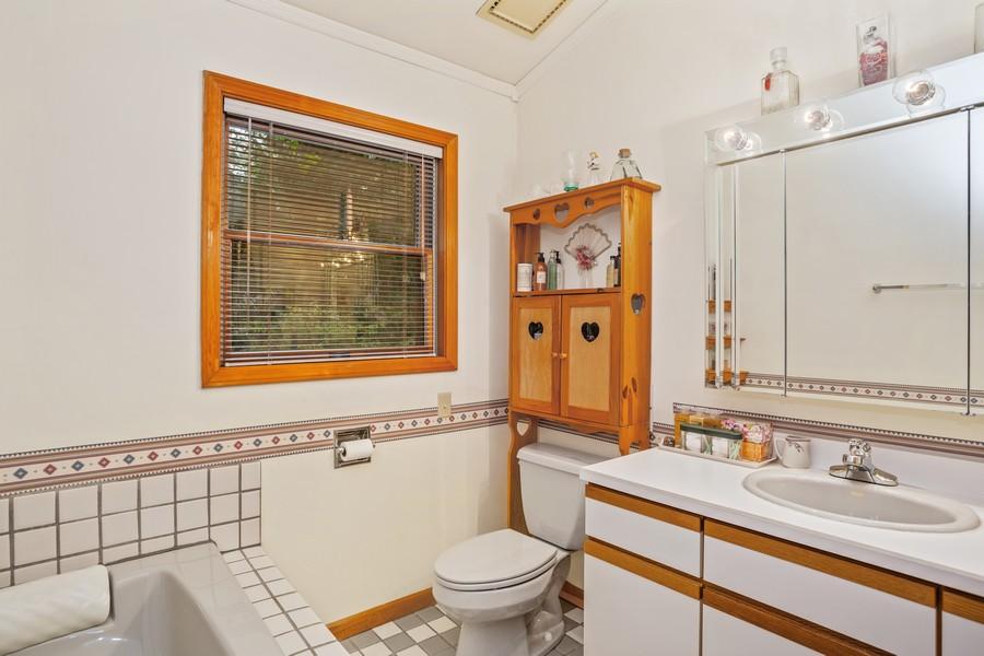 Real Estate Photography - 4054 Choctaw Trail, New Buffalo, MI, 49117 - 2nd Bathroom