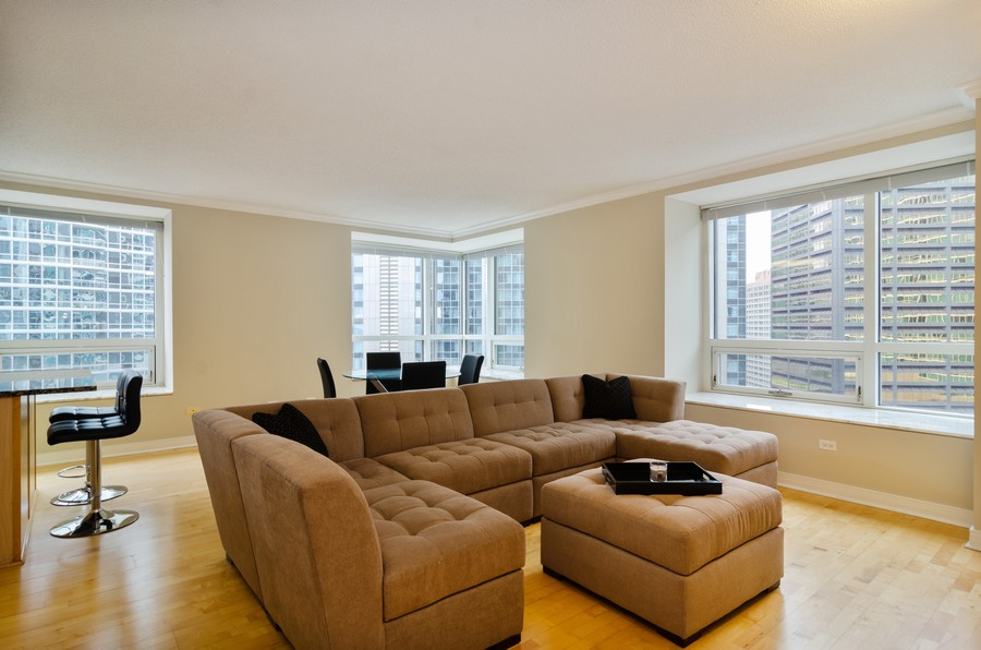 Real Estate Photography - 512 N McClurg Ct, Unit #1310, Chicago, IL, 60611 - Living Room