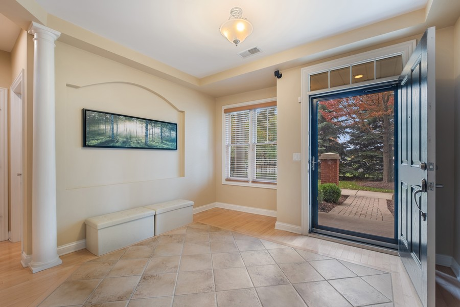 Real Estate Photography - 2044 Valor Ct, Glenview, IL, 60026 - Foyer