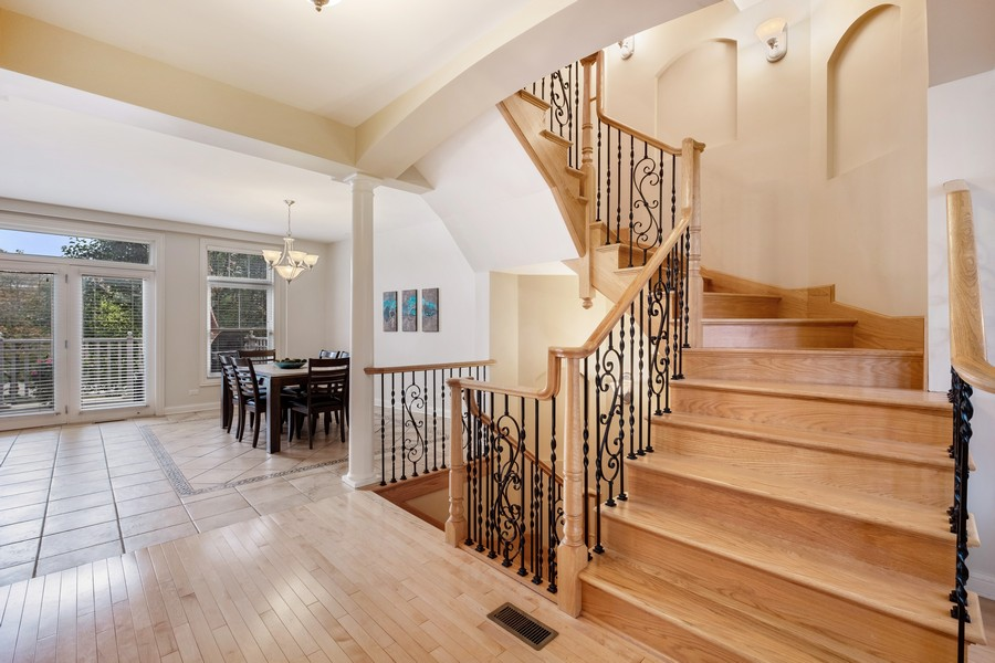 Real Estate Photography - 2044 Valor Ct, Glenview, IL, 60026 - Staircase