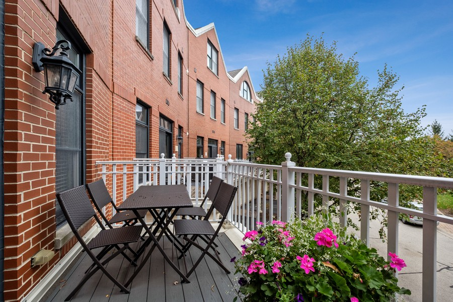 Real Estate Photography - 2044 Valor Ct, Glenview, IL, 60026 - Balcony