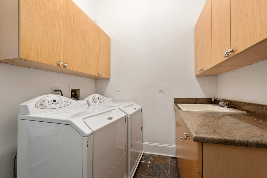 Real Estate Photography - 2720 N Bosworth, Chicago, IL, 60614 - Laundry Room
