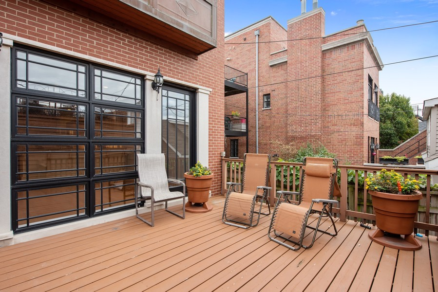 Real Estate Photography - 2720 N Bosworth, Chicago, IL, 60614 - Deck