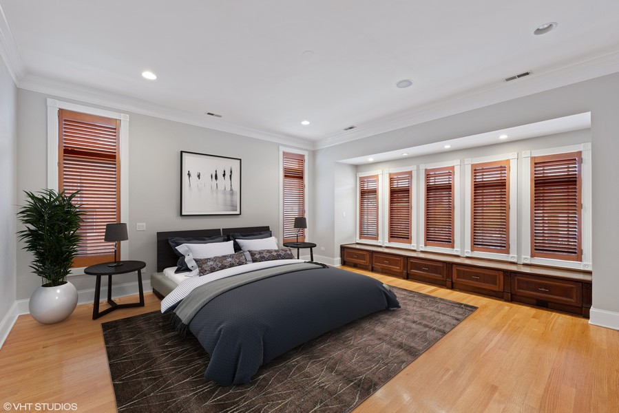 Real Estate Photography - 2720 N Bosworth, Chicago, IL, 60614 - Master Bedroom