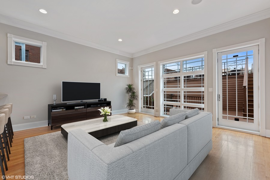 Real Estate Photography - 2720 N Bosworth, Chicago, IL, 60614 - Family Room