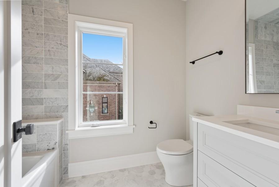 Real Estate Photography - 901 Bluff Rd, Glencoe, IL, 60022 - 4th Bathroom