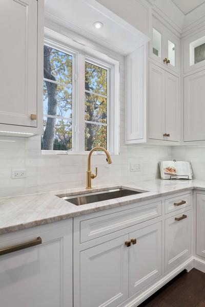 Real Estate Photography - 901 Bluff Rd, Glencoe, IL, 60022 - Kitchen
