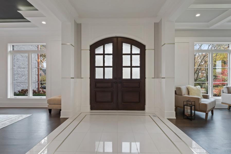 Real Estate Photography - 901 Bluff Rd, Glencoe, IL, 60022 - Foyer