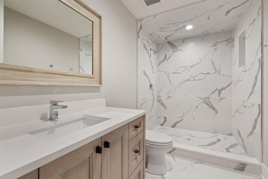 Real Estate Photography - 901 Bluff Rd, Glencoe, IL, 60022 - Bathroom
