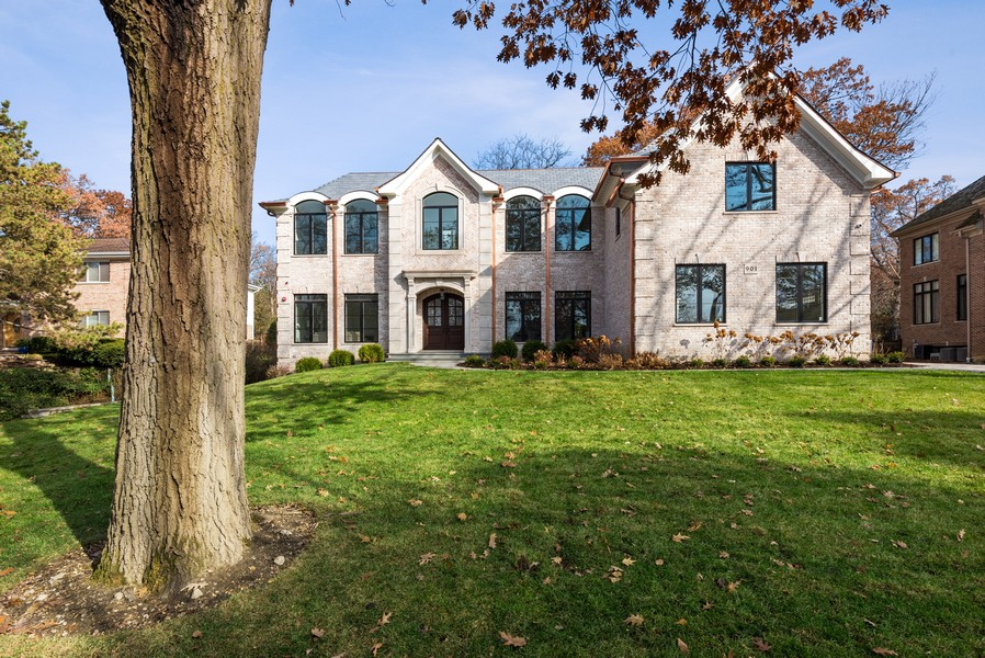 Real Estate Photography - 901 Bluff Rd, Glencoe, IL, 60022 - Front View