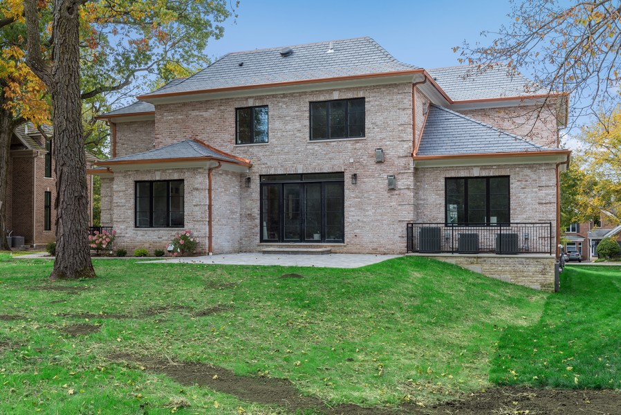 Real Estate Photography - 901 Bluff Rd, Glencoe, IL, 60022 - Rear View
