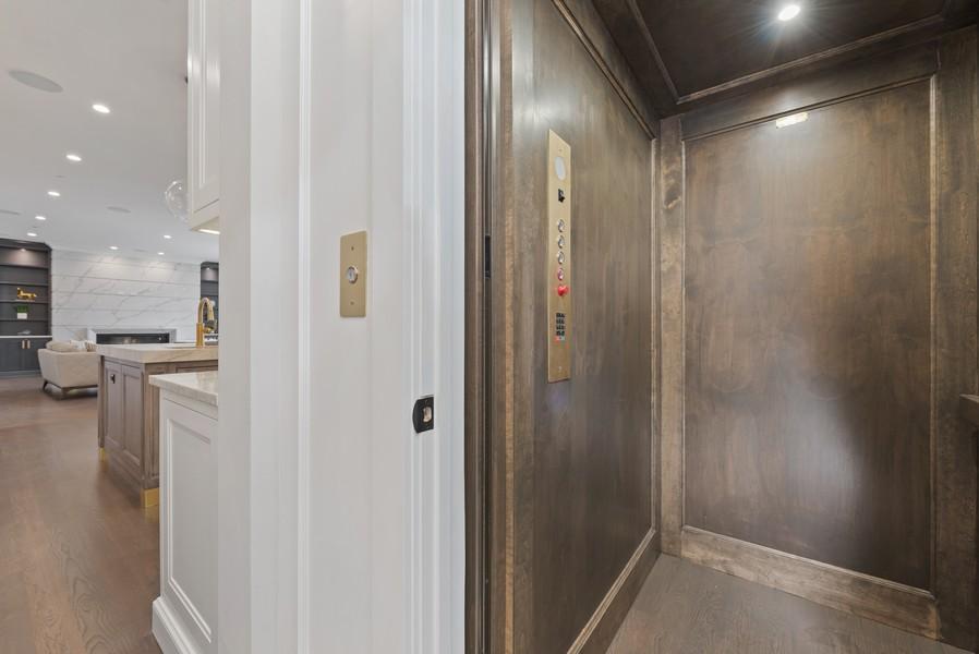 Real Estate Photography - 901 Bluff Rd, Glencoe, IL, 60022 - Elevator