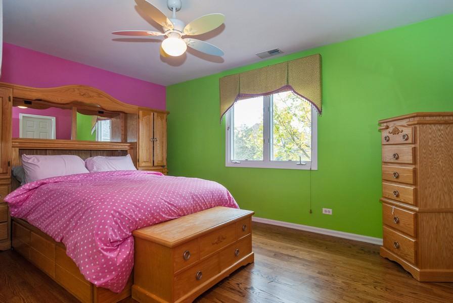 Real Estate Photography - 915 Burnham Court, Aurora, IL, 60502 - 3rd Bedroom