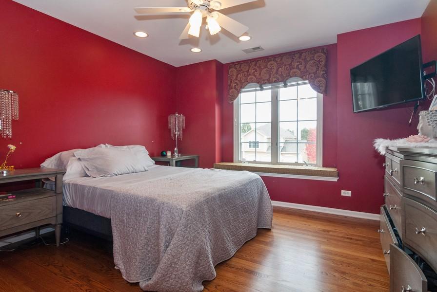 Real Estate Photography - 915 Burnham Court, Aurora, IL, 60502 - 4th Bedroom