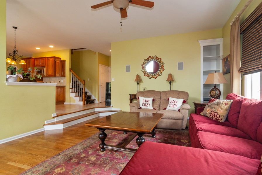 Real Estate Photography - 915 Burnham Court, Aurora, IL, 60502 - Family Room
