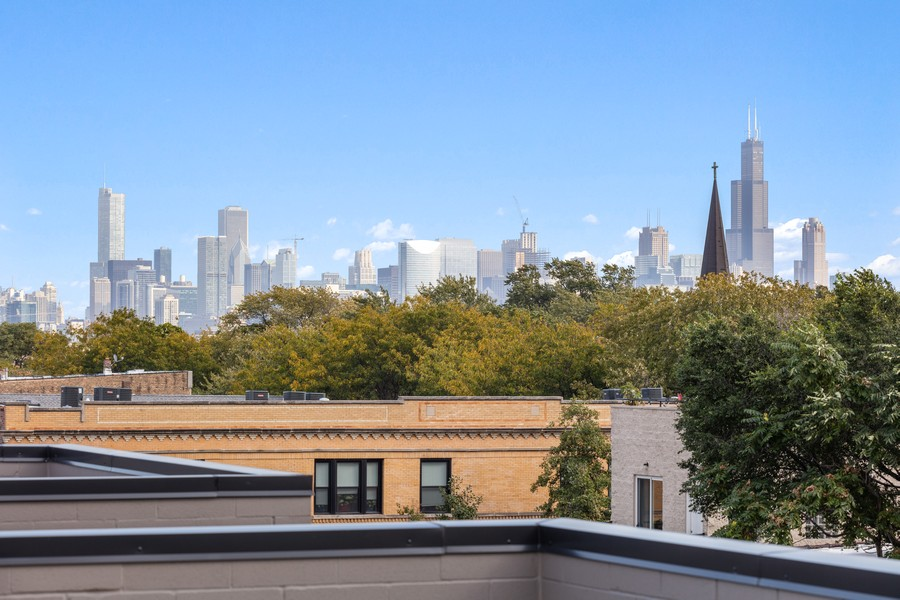 Real Estate Photography - 2721 W Haddon, 3W, Chicago, IL, 60622 - View from Roofdeck