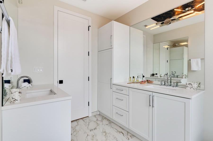 Real Estate Photography - 2721 W Haddon, 3W, Chicago, IL, 60622 - Master Bathroom
