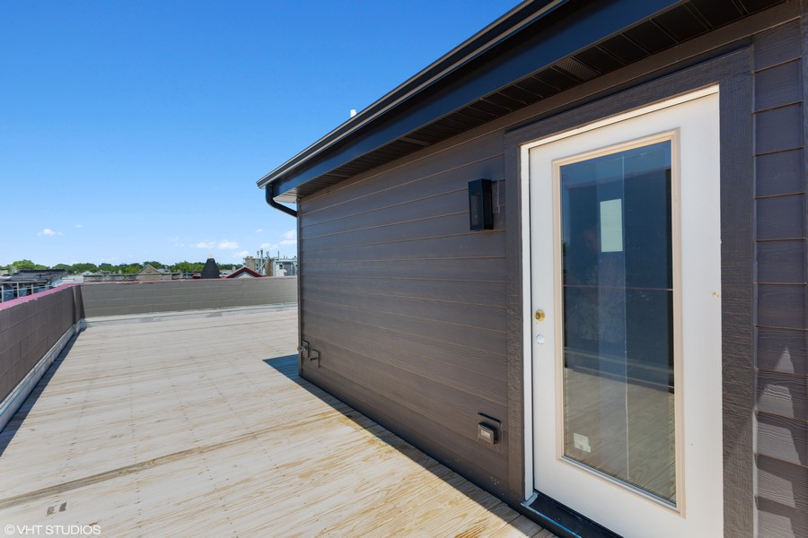 Real Estate Photography - 2721 W Haddon, 3W, Chicago, IL, 60622 - Roofdeck