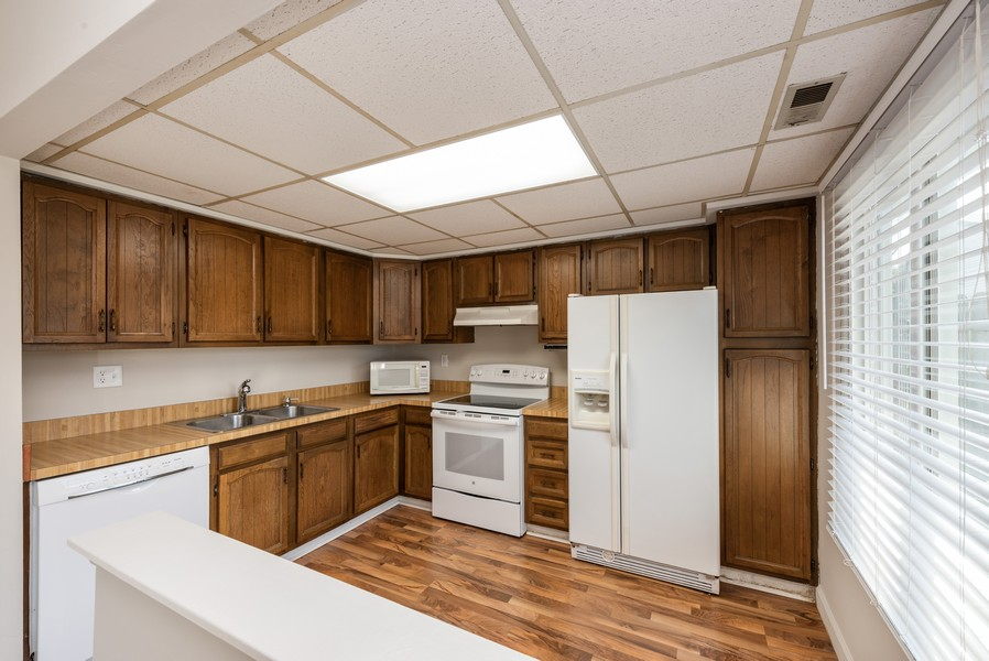 Real Estate Photography - 367 E 59Th Place, Merriville, IN, 46410 - Kitchen
