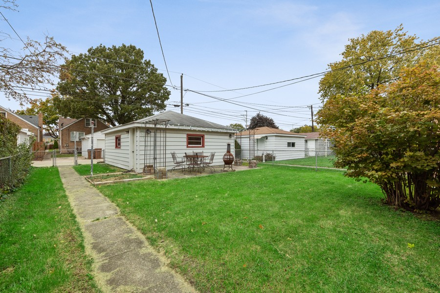 Real Estate Photography - 2230 South 11th Ave, North Riverside, IL, 60546 - Back Yard
