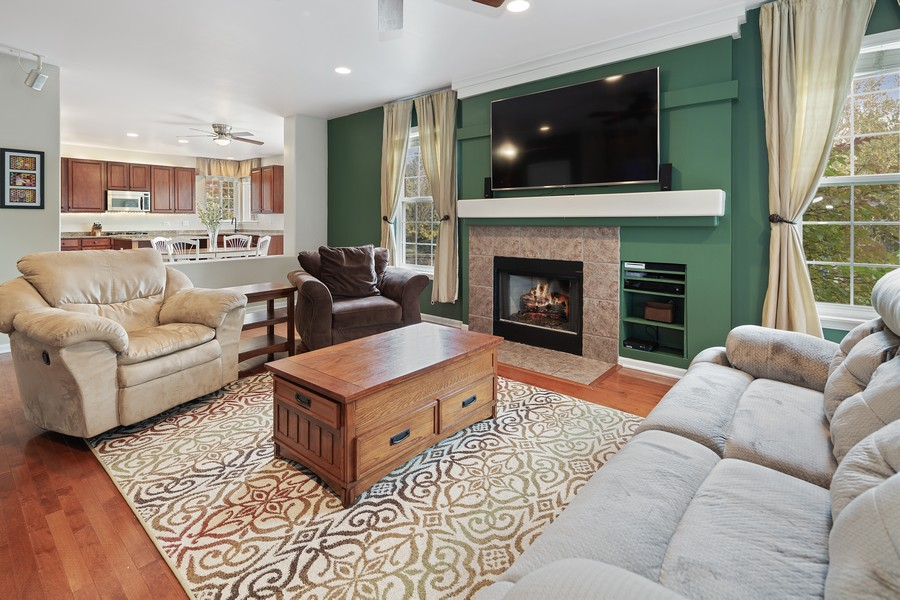 Real Estate Photography - 1300 Mulberry, Cary, IL, 60013 - Family Room