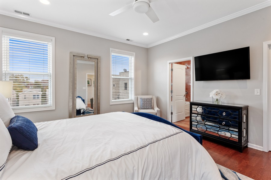 Real Estate Photography - 3971 S Ellis St, chicago, IL, 60653 - Master Bedroom
