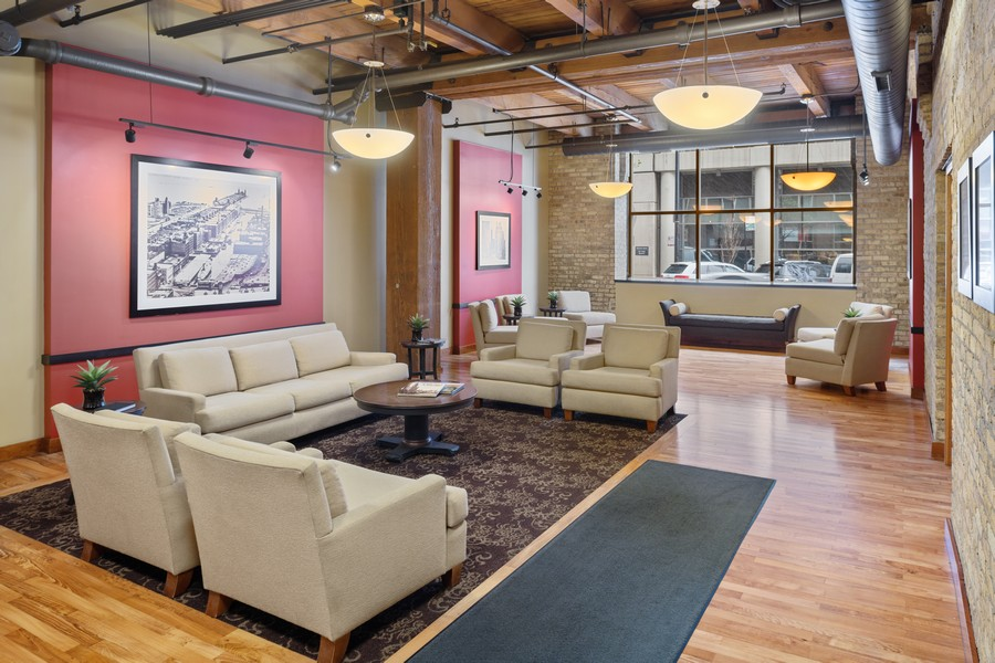 Real Estate Photography - 540 N Lake Shore Dr, Chicago, IL, 60611 -