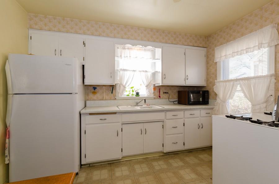 Real Estate Photography - 5319 Arcadia, Skokie, IL, 60077 - Kitchen
