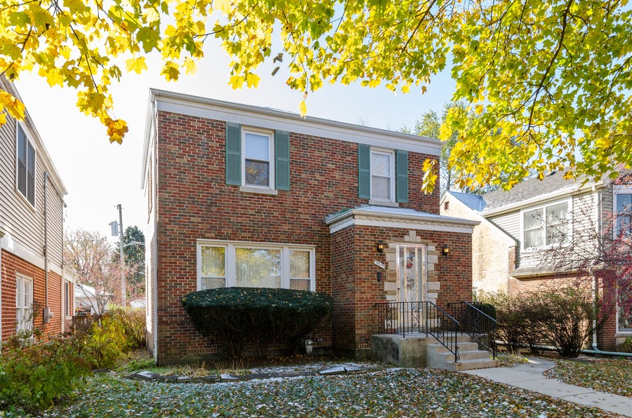 Real Estate Photography - 5319 Arcadia, Skokie, IL, 60077 - Exterior - Front