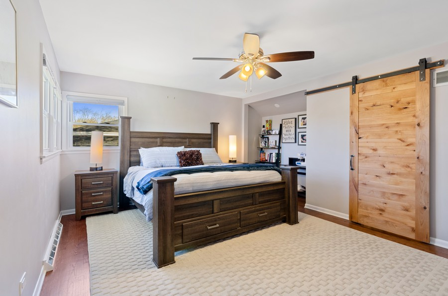 Real Estate Photography - 880 Huckleberry, Northbrook, IL, 60062 - Master Bedroom