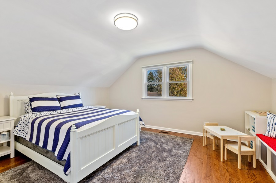 Real Estate Photography - 880 Huckleberry, Northbrook, IL, 60062 - 3rd Bedroom