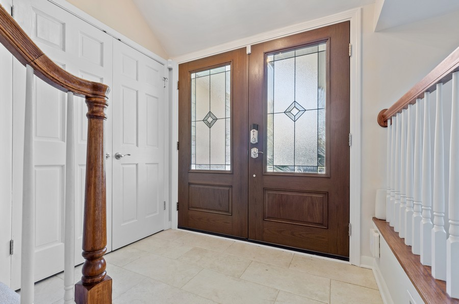 Real Estate Photography - 880 Huckleberry, Northbrook, IL, 60062 - Foyer