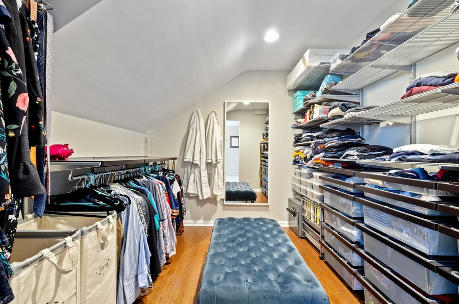 Real Estate Photography - 880 Huckleberry, Northbrook, IL, 60062 - Master Bedroom Closet