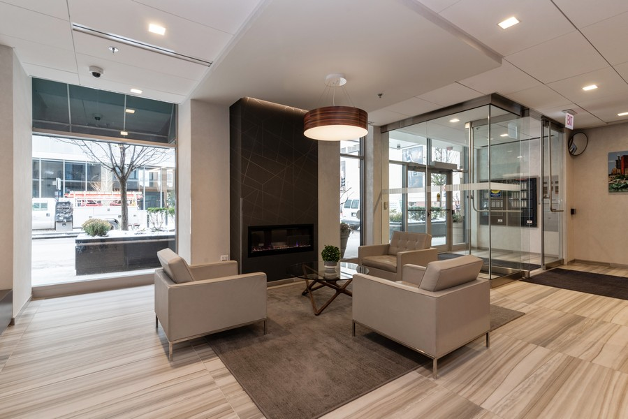 Real Estate Photography - 41 E 8th St, Chicago, IL, 60605 - Lobby