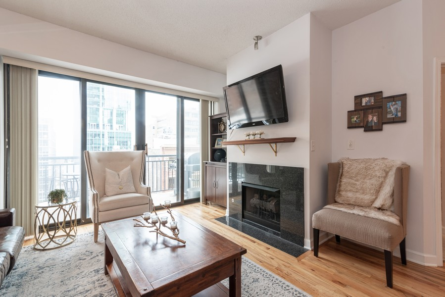 Real Estate Photography - 41 E 8th St, Chicago, IL, 60605 - Living Room