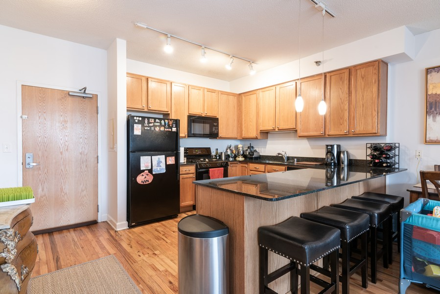 Real Estate Photography - 41 E 8th St, Chicago, IL, 60605 - Kitchen