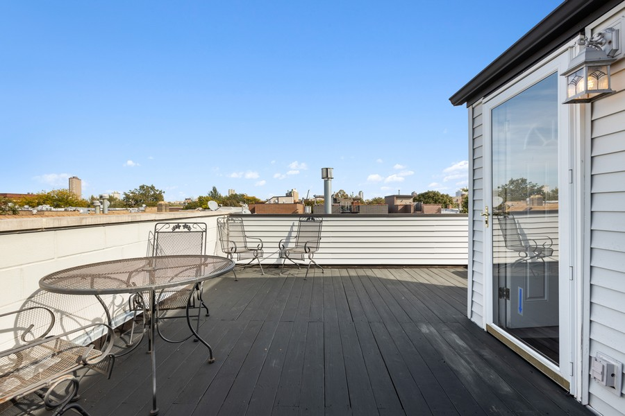 Real Estate Photography - 3231 N Racine, Unit 3, Chicago, IL, 60657 - Rooftop Deck