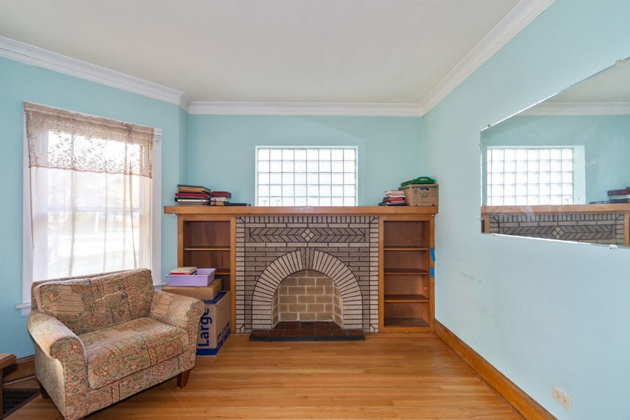 Real Estate Photography - 611 S Saylor, Elmhurst, IL, 60126 - Living Room