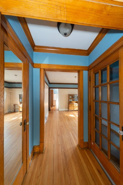 Real Estate Photography - 611 S Saylor, Elmhurst, IL, 60126 - Foyer