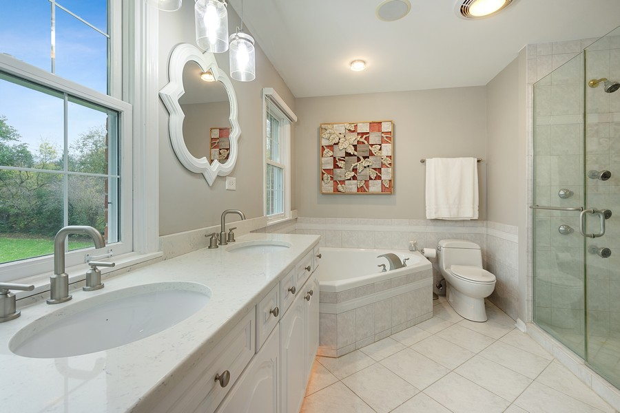 Real Estate Photography - 108 Fox Hunt Trl, Barrington, IL, 60010 - Master Bathroom
