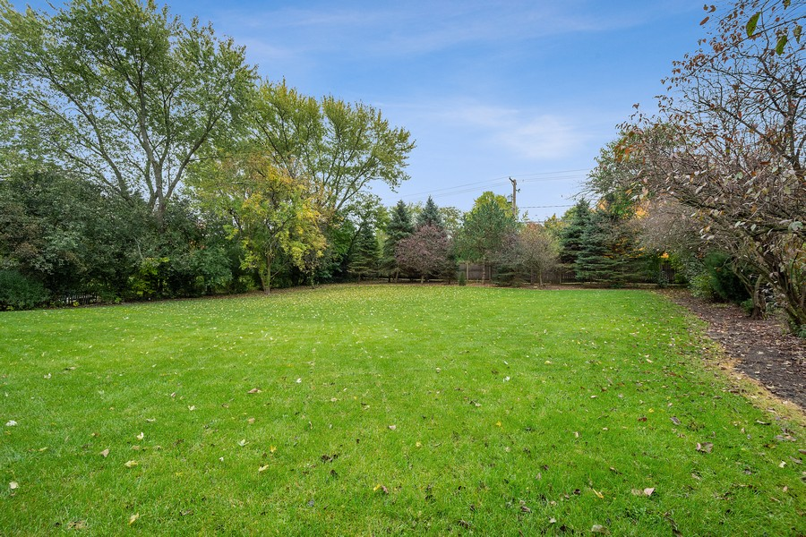 Real Estate Photography - 108 Fox Hunt Trl, Barrington, IL, 60010 - Back Yard